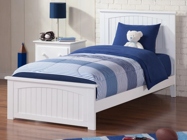 Graham Queen Panel Bed Color: White, Size: Full