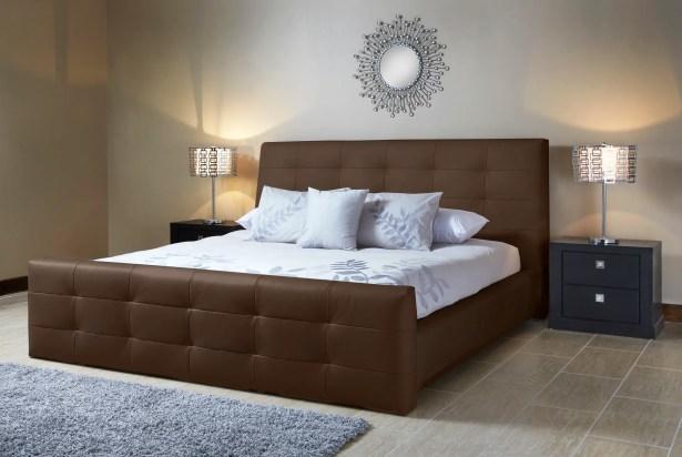 Upholstered Platform Bed Size: Queen, Color: Grey