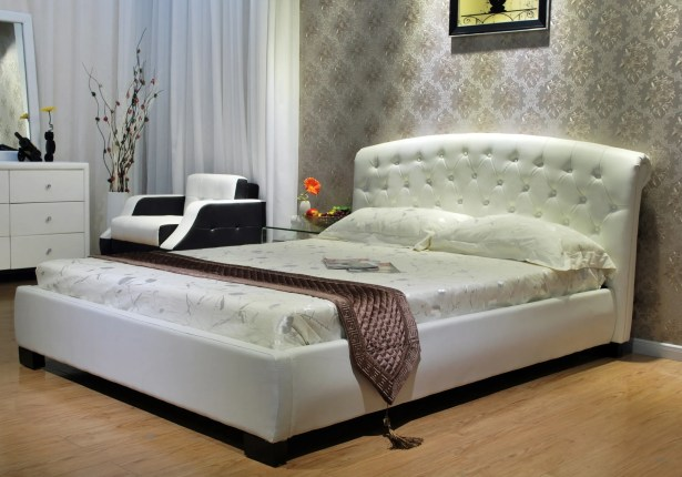 Upholstered Platform Bed Color: White, Size: Twin