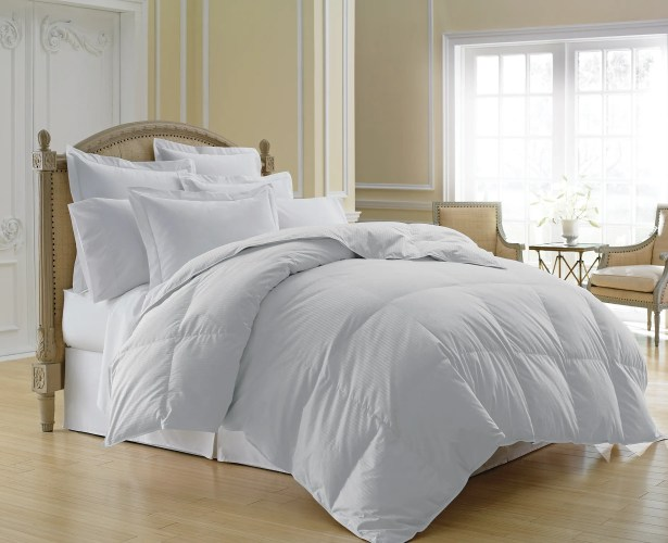 Grand Midweight Down Comforter Size: Full/Queen