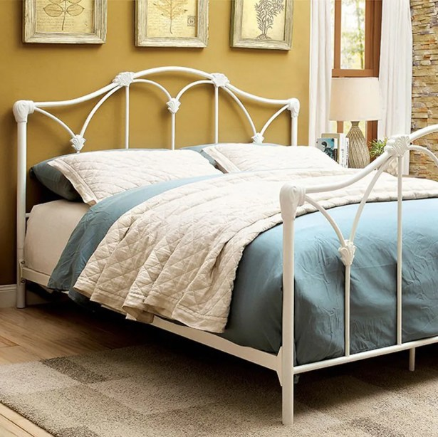 Pamula Panel Bed Size: Queen