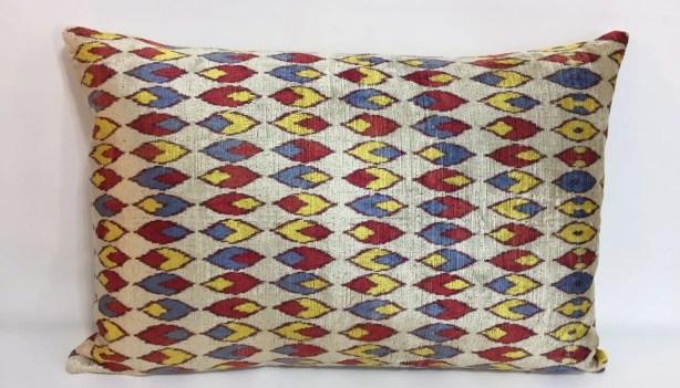 Leaf Velvet Lumbar Pillow
