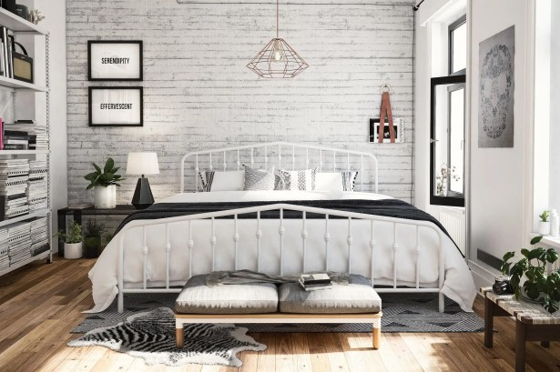 Bushwick Platform Bed Size: King, Color: White