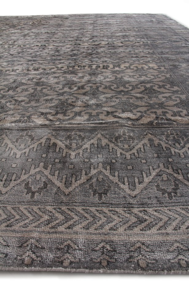 Antique Hand-Knotted Silk Ivory/Silver Area Rug Rug Size: Rectangle 8' x 10'
