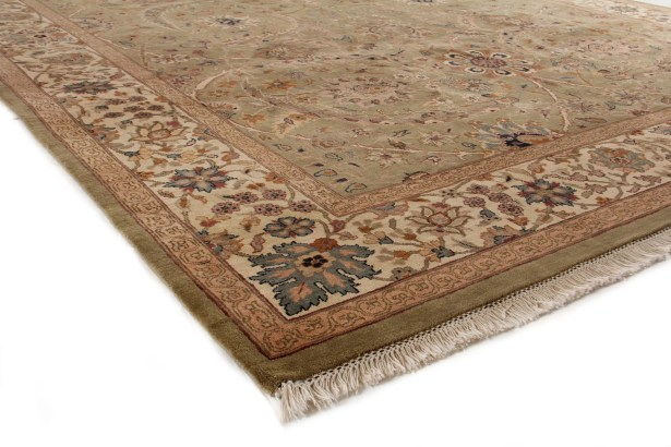 Traditional Hand Woven Wool Light Green/Gold Area Rug Rug Size: Rectangle 8' x 10'