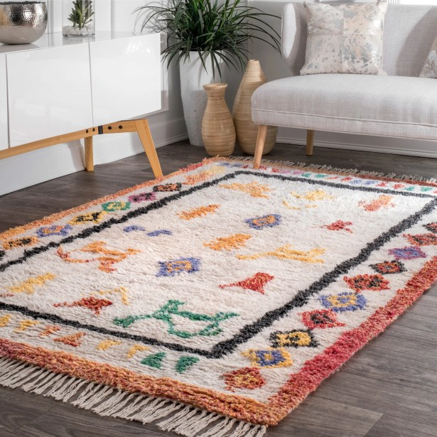 Danbrook Hand Tufted Ivory Area Rug Rug Size: Rectangle 7'6