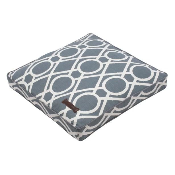 Premium Cotton Square Pet Bed Size: Medium Rectangle (28