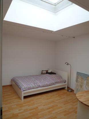 18m Zimmer mit Deckenfenster in 3er WG zu vermieten  WGZimmer in BonnNordstadt