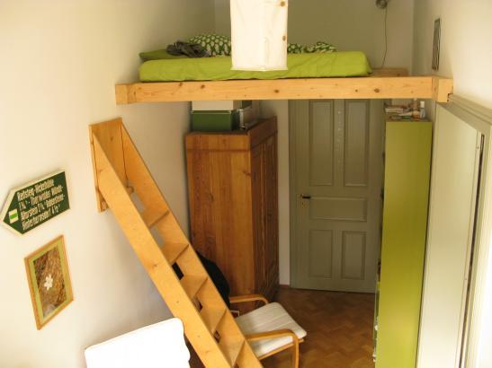 sonniges 11qm Zimmer in schnem Altbau mit Hochbett
