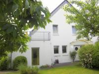 Schickes, groes WG-Haus mit Garten,Garage,Terrassen ...