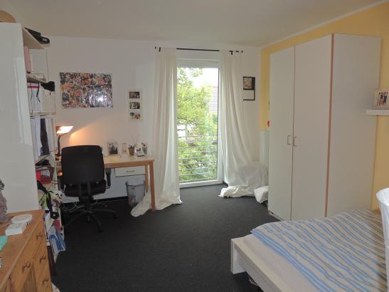 Mbliertes Zimmer in 3er WG im Studentenwohnheim  WG Kln mbliert KlnLindenthal