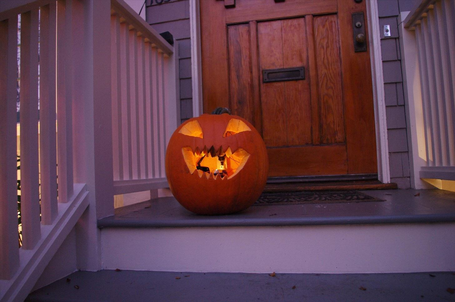 5 Extremely Flammable Jack O Lanterns That Ll Set Your Heart On Fire Halloween Ideas