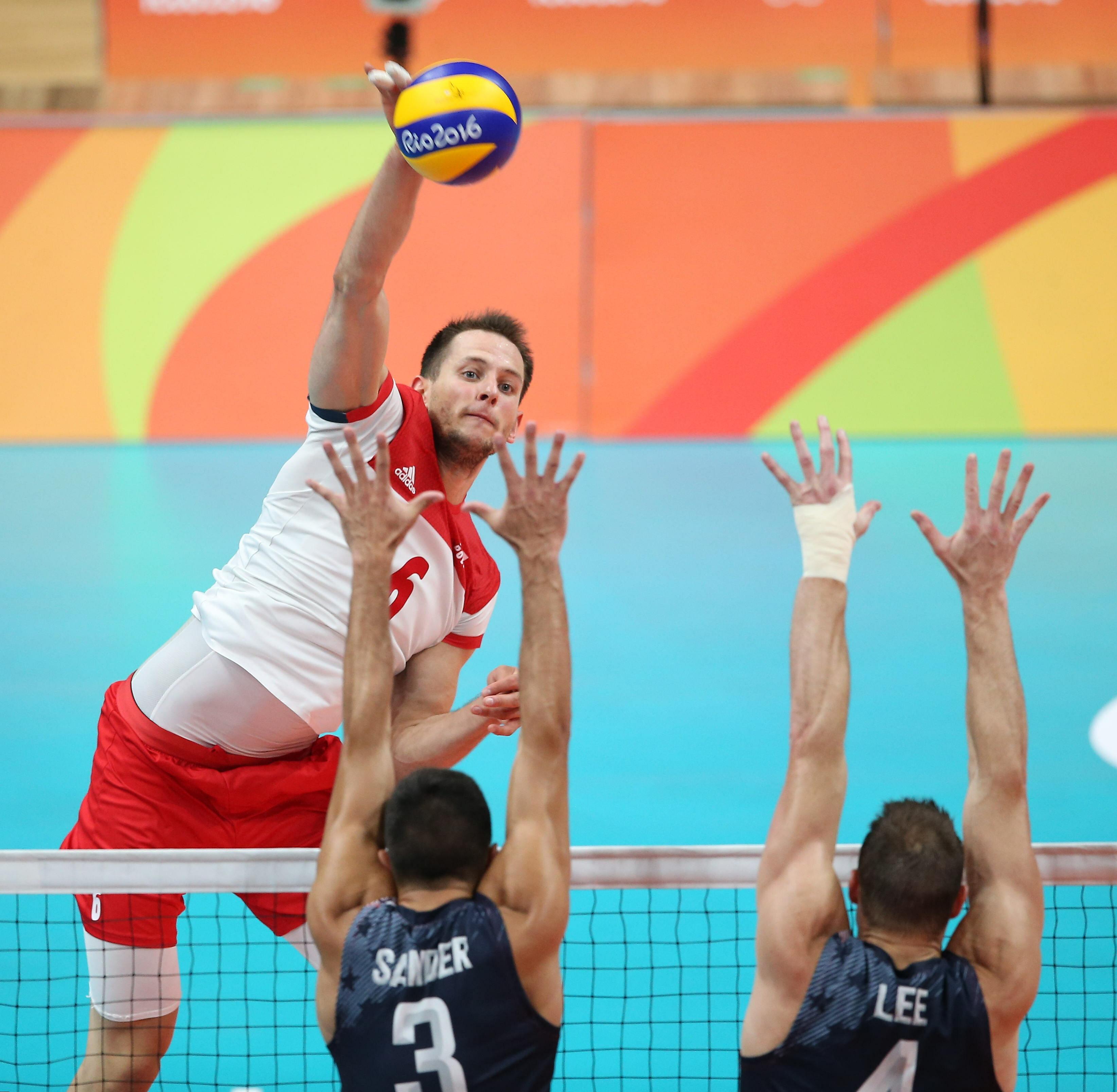 Bartosz kurek was born in wałbrzych, but raised in nysa, poland. Polscy siatkarze przegrali w ćwierćfinale 3:0 z USA