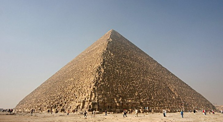 la grande pyramide de gizeh emmagasine