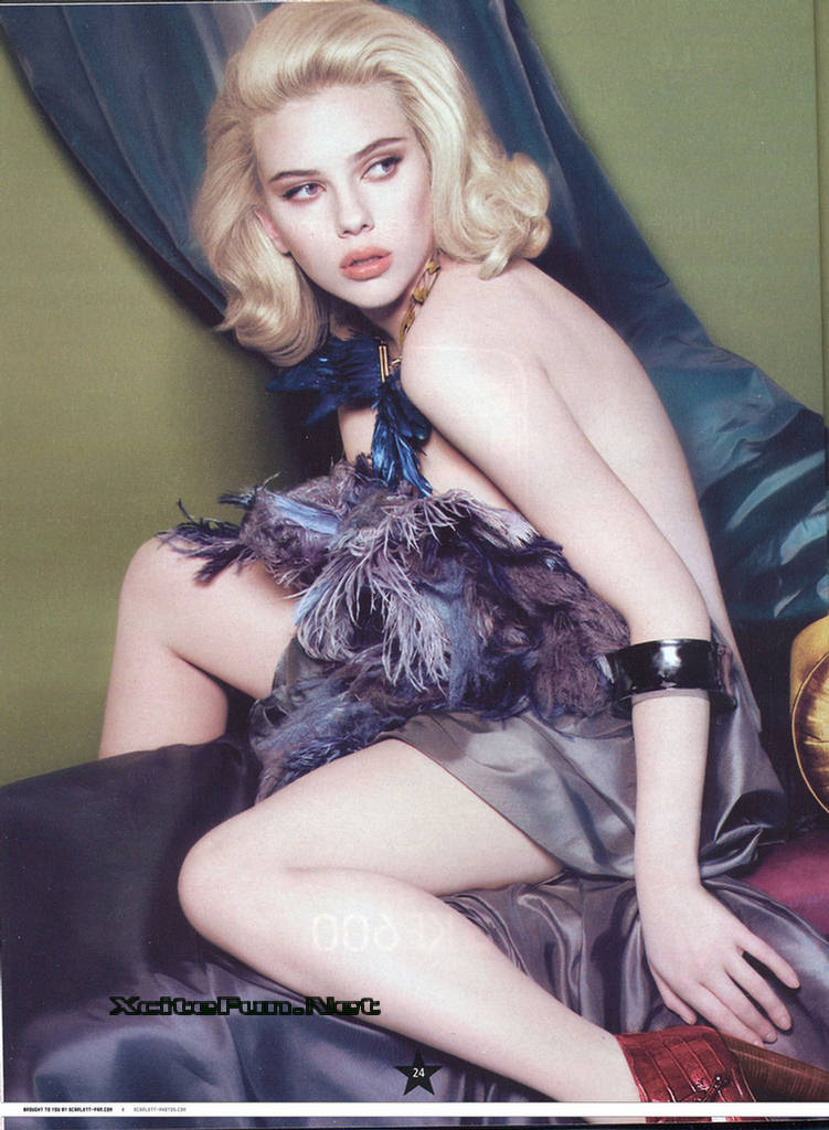 Cool Cute Girly Wallpapers Scarlet Johnson Flirty Look On Celebrity French Mag May