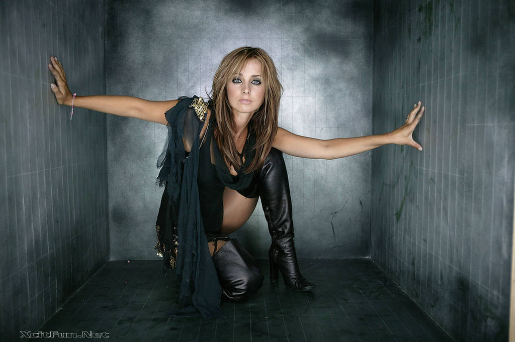 Inspirational Quotes Hd Wallpapers For Mobile Louise Redknapp Model For Avon Pandora S Kiss Promoshoot