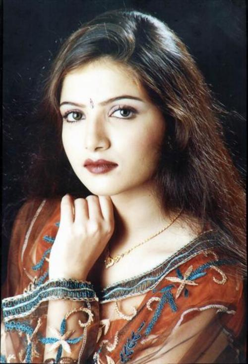 Cute N Beautiful Wallpapers Beautiful Sara Choudhary Pictures Xcitefun Net