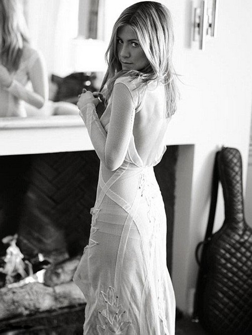 Bollywood Wallpapers With Love Quotes Jennifer Aniston Photoshoot For Elle Pictures Xcitefun Net