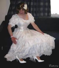 Men In Wedding Dresses - XciteFun.net