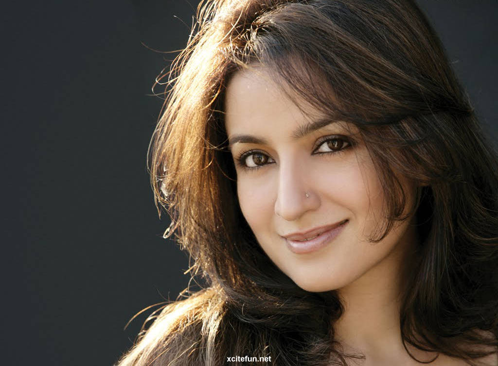 Tisca Chopra Wallpapers Hot Amp Beautiful Bollywood Actr