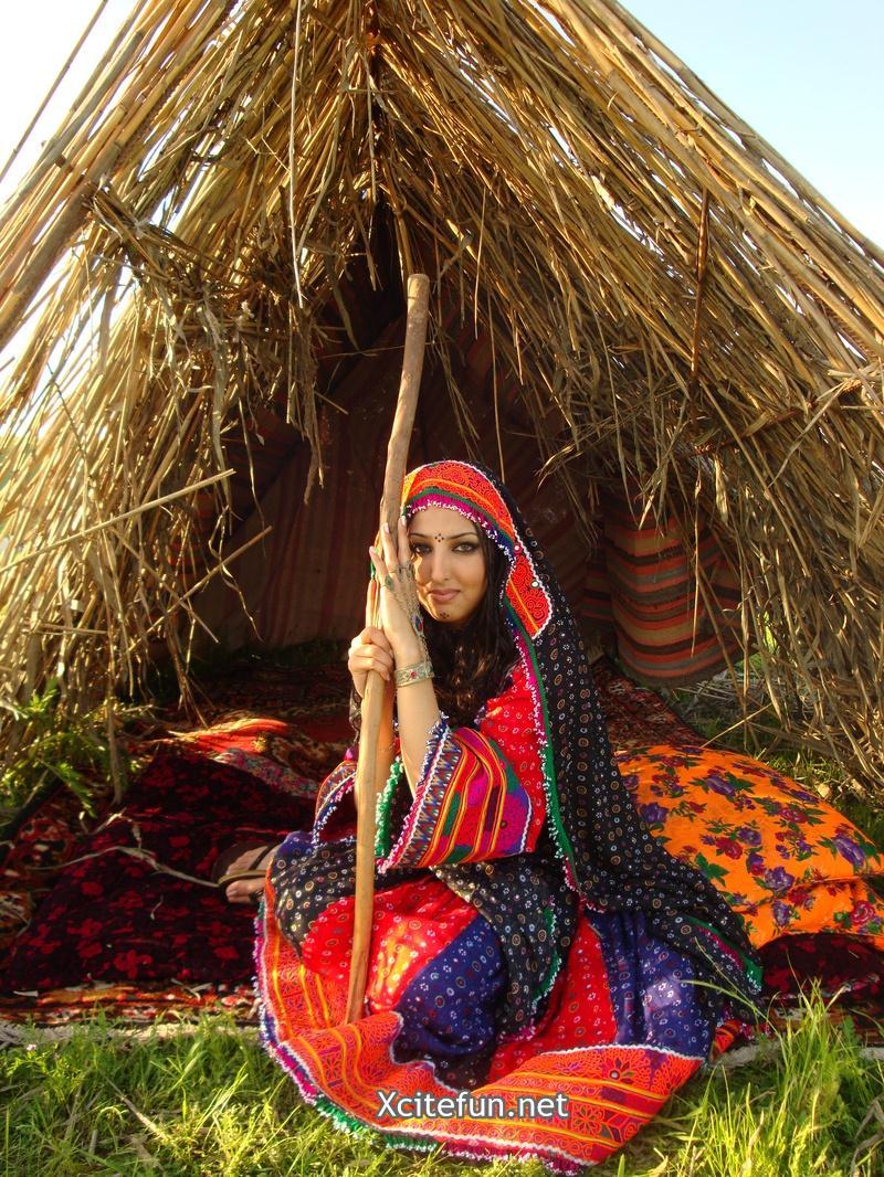 Beautiful Quotes Inspirational Wallpapers Seeta Qasemi Afghan Music Singer In Fashionable
