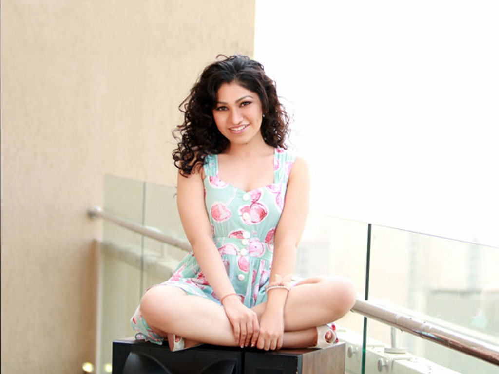 Awesome Cute Wallpapers For Mobile Tulsi Kumar Wallpapers Xcitefun Net