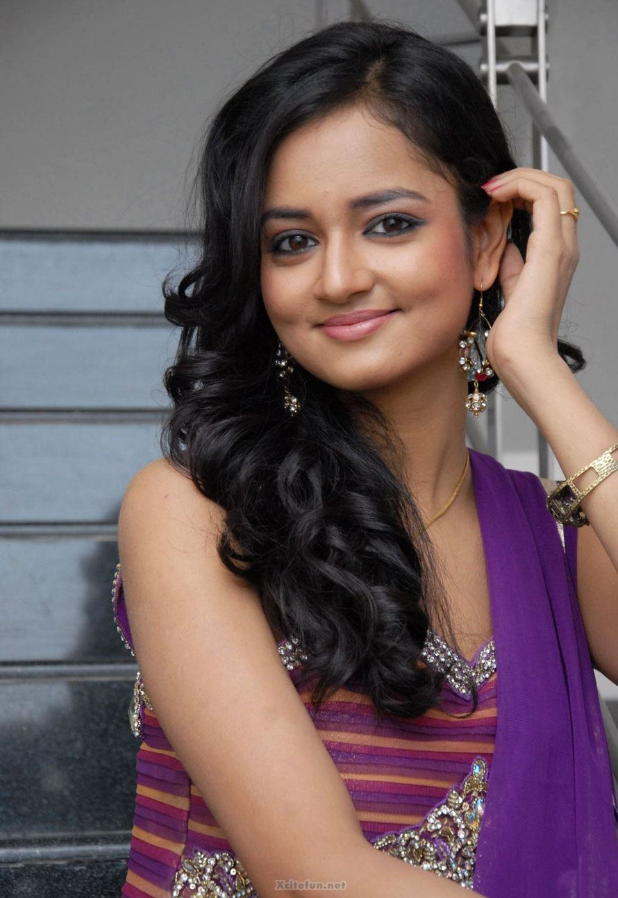 Sweet Cute Wallpapers With Quotes South Actress Shanvi Purple Dress Pics Xcitefun Net