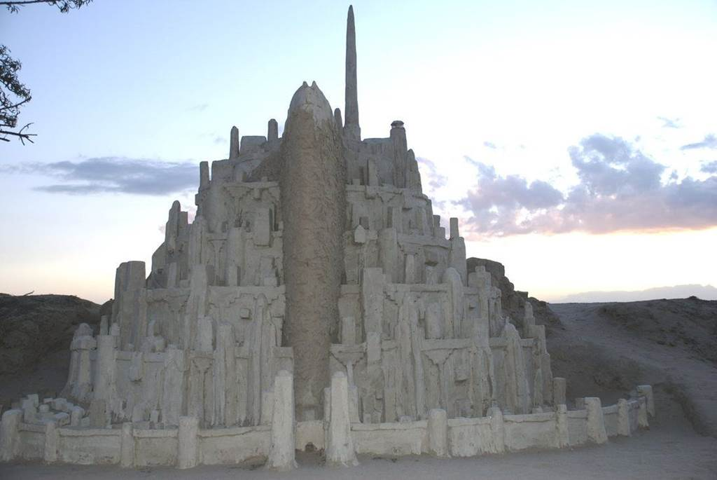 Beautiful Inspirational Quotes Wallpapers Minas Tirith Replica Sand Castle Xcitefun Net