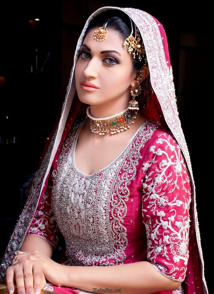 Cute And Sweet Wallpapers With Quotes Sana Fakhar Awesome Makeup Photoshoot Xcitefun Net