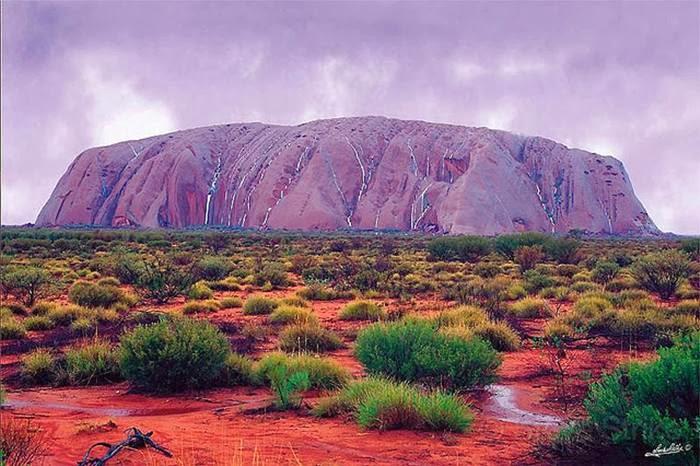 Funny Quotes And Wallpapers Uluru Raining Waterfalls Australia Xcitefun Net