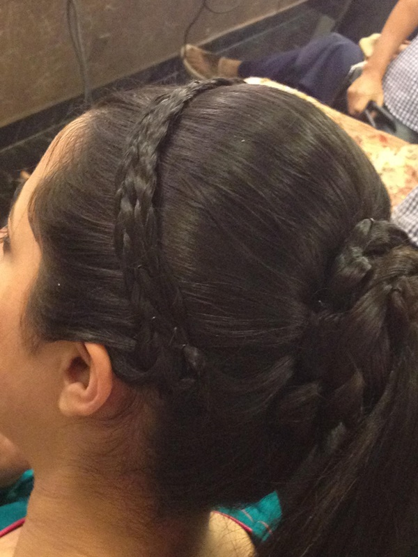 New Trendy Hairstyle For Girls