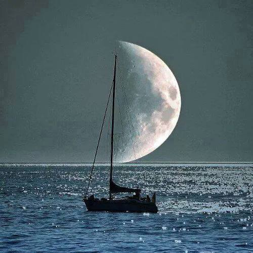 Cute Girl Phone Wallpapers Amazing Photography Of Lonely Boats With Moon Xcitefun Net