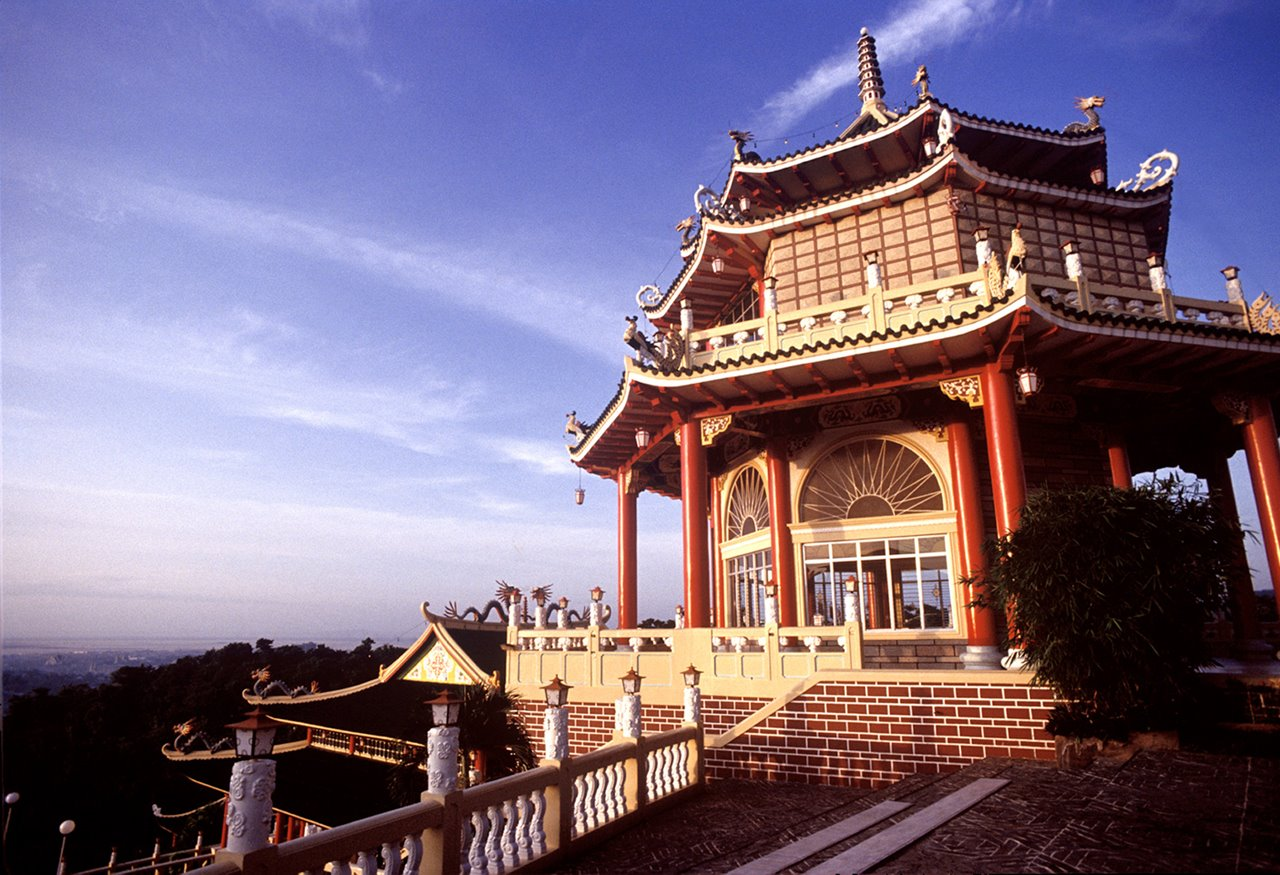 Beautiful Wallpapers With Funny Quotes Travel Guide To Cebu Taoist Temple Philippines Xcitefun Net