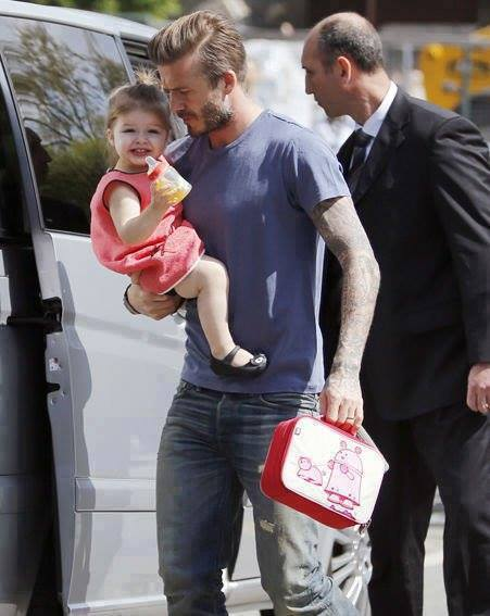David Beckham Wallpapers With Quotes Oh Daddy David Beckham With His Daughter Xcitefun Net
