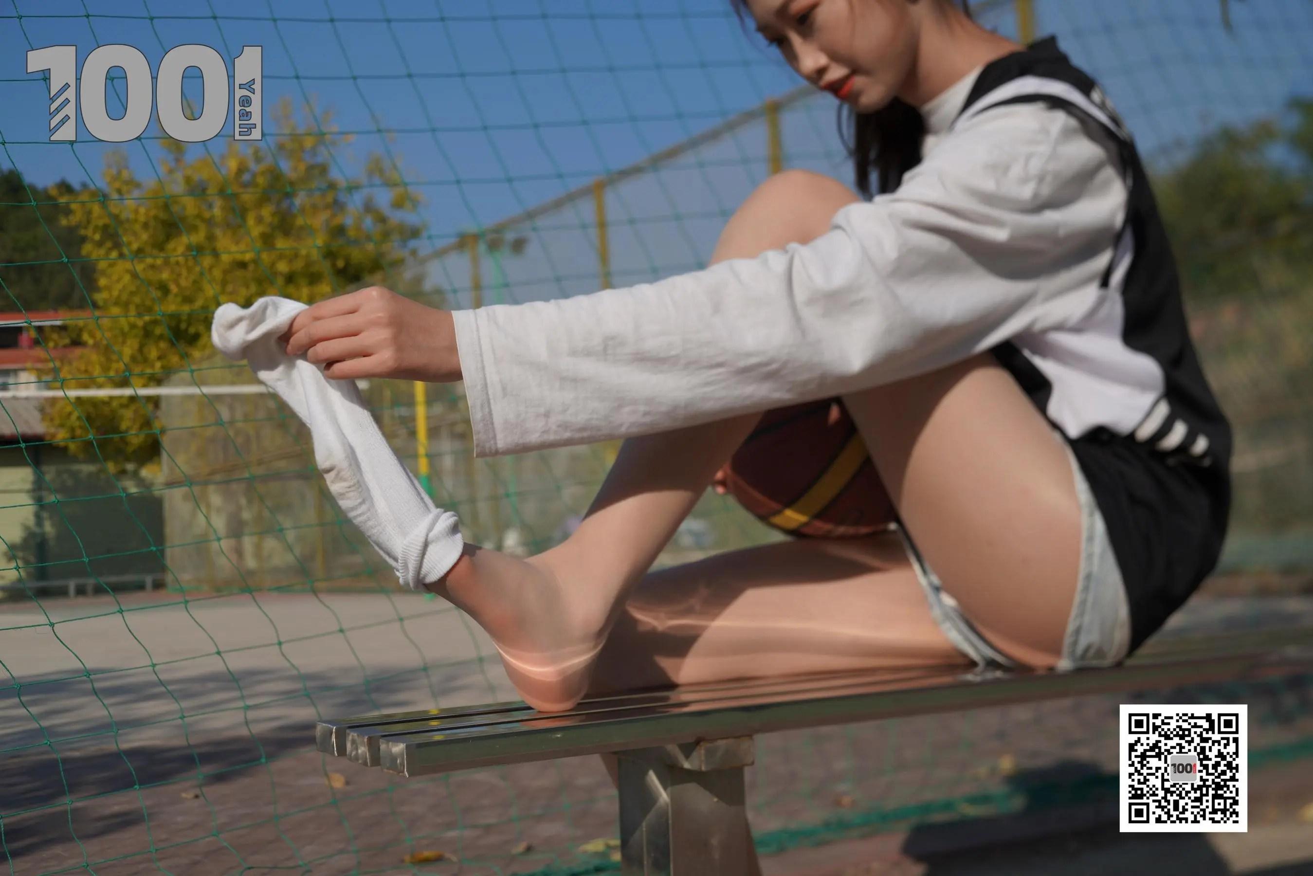 图片[7] - [IESS一千零一夜] 模特:草莓《陪女朋友打篮球4》 美脚丝足写真集[90P] - 唯独你没懂