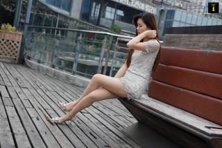 羽西 《雾里的羽西姐姐》 [异思趣向IESS] 丝袜美腿写真集[94P] | Page 1/5
