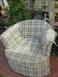Swivel Barrel Chair - For Sale Classifieds