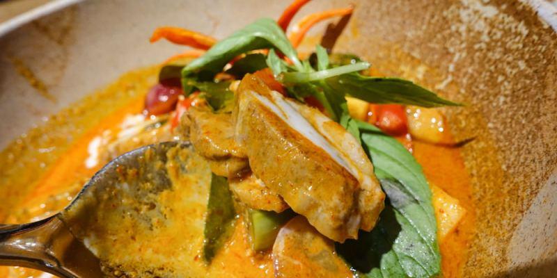 【食記】台中市南屯區 ‧ Thai.J泰式料理|氣氛佳有格調!都市秘境花園餐廳(文末附菜單)