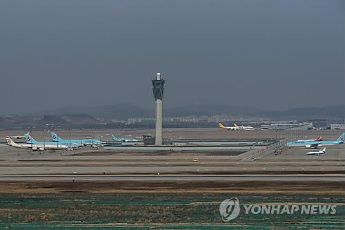 Planes parked at Incheon International Airport west of Seoul. (Yonhap file photo)