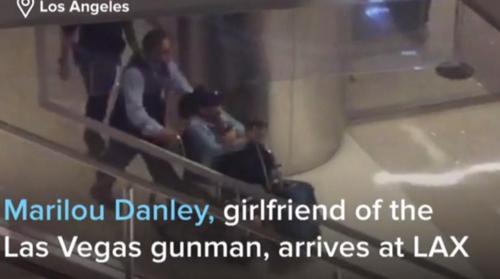 미 LA공항으로 입국하는 총기난사범의 동거녀 마리루 댄리