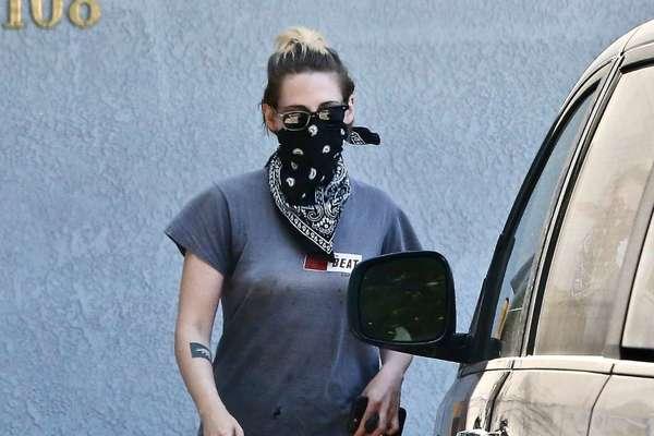 Kristen Stewart Spotted Leaving An Office Building In Los Angeles