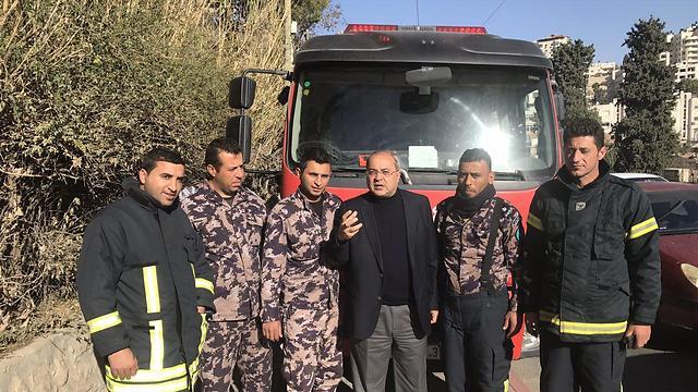 فريق اطفاء فلسطينى