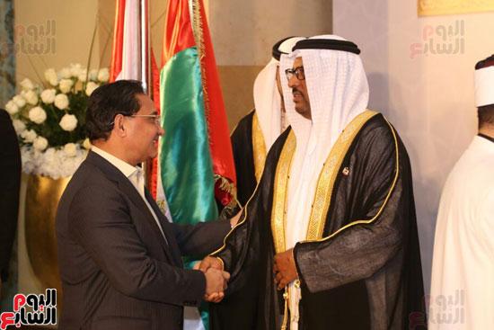 الدكتور عبد الرحيم على يقدم التهنئة لسفير الأمارات