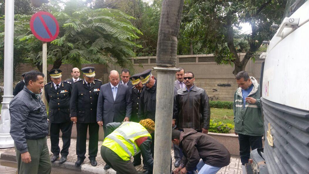 مدير أمن القاهرو يوجه بشفط المياه من الطرق