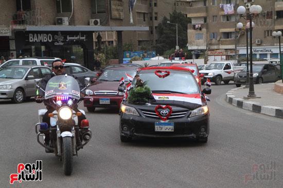 رئيس حى المقطم يتبرع لصندوق تحيا مصر (5)