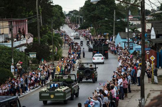 الموكب الجنائزى لفيدل كاسترو يعبر شوارع هافانا فى رحلة تستمر 4 أيام فى كوبا