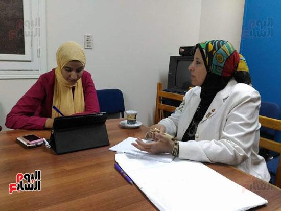 محررة اليوم السابع مع مقرر المجلس القومى للمرأة