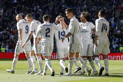 ريال مدريد خلال مباراة غرناطة