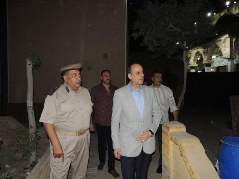 مدير امن المنوفية اثناء خروجه من مركز شرطة قويسنا