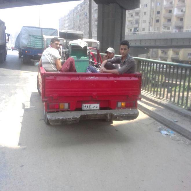 المرور يشن حملات على سيارات نقل تحمل ركاب على الطرق (4)